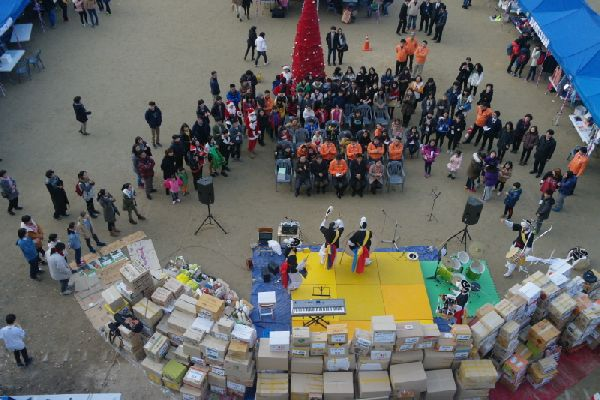 제 2회 크리스마스 기부 플라이트마켓이 사고 없이 잘 끝나다.
