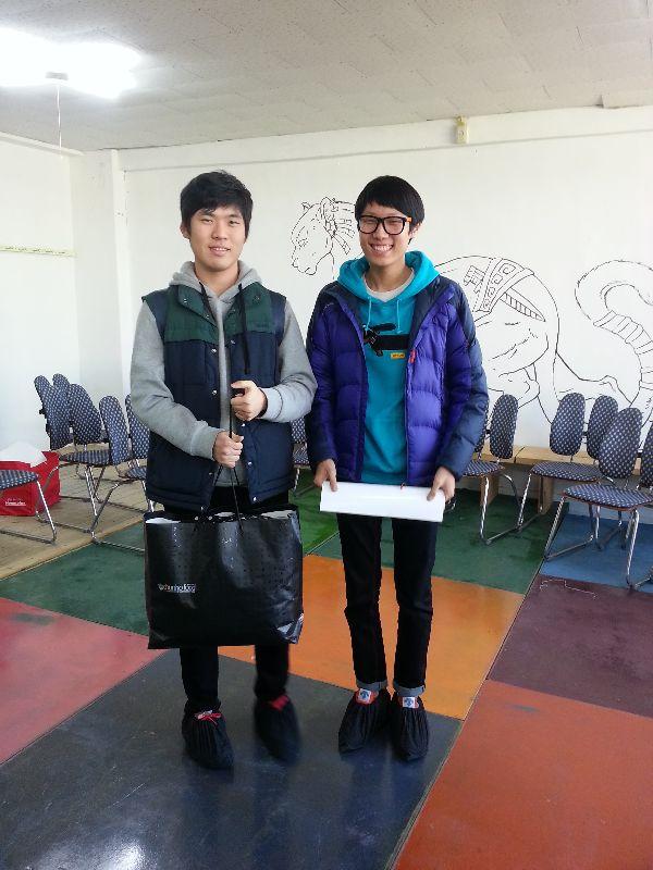 윤종빈 전재용 기부자께서 필리핀 기부 물품을 전달해주시고 갔습니다.